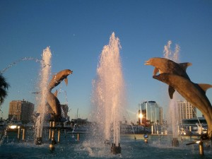 2012-01-19_dolphins_statue